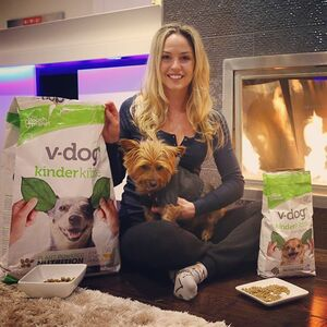 Happy dogs are V-Dogs!!! My pups absolutely love their @vdogfood! 🌱 #vdogfood #happydogs #spoileddogs #healthypups #vegandogs