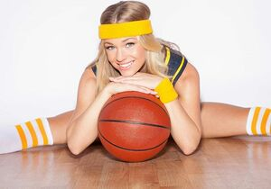 Im all about that basketball🏀 Excited to watch the #lakers vs #grizzlys today 👊 Let's see if LA shows up in Memphis and rocks the house! 💜💛 ☆☆☆☆☆☆☆ #basketball #sports #sportscenter #loveandbasketball #sportsfan #nikkileigh #nba #basketballgame